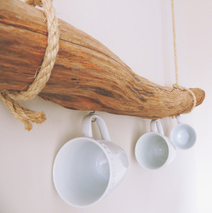 DIY rope and driftwood teacup holder tutorial