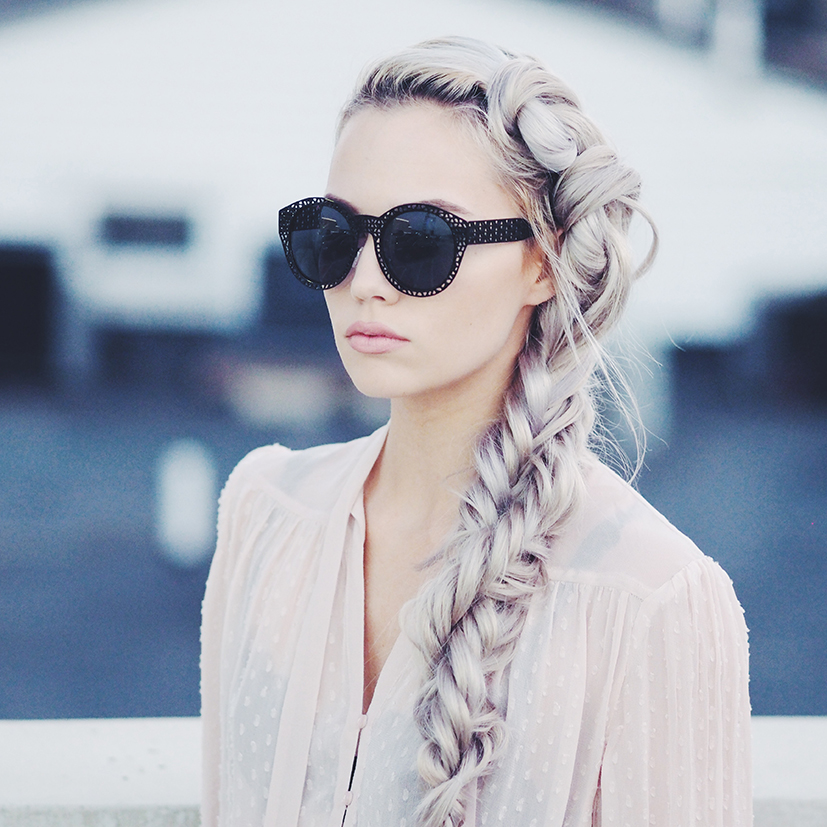 Knotted side braid